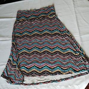 LulaRoe Azure Skirt, Chevron pattern, size L